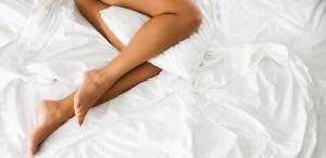 mulher-pernas-masturbacao