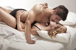 casal-sexo-cama