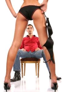 mulher-homem-strip-tease